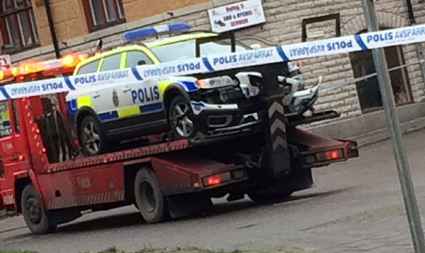 Polisbil krockade under biljakt